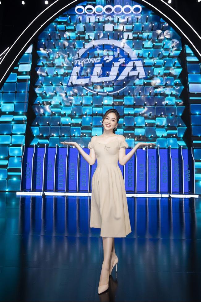 Ai bảo chân dài não ngắn, Á hậu Phương Nga - Hoàng Thùy thắng gần 400 triệu tại gameshow gây choáng váng - Ảnh 7.