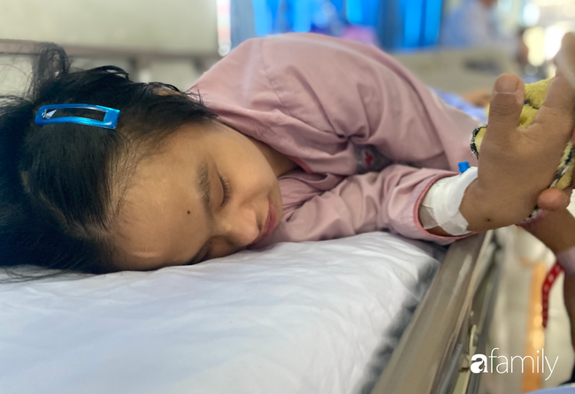 Bệnh viện cầu cứu khẩn cho cô gái 26 tuổi mắc bệnh Down bị bỏ rơi 20 năm, lâm nguy sau tai nạn - Ảnh 5.