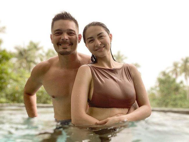 """Khoe khoảnh khắc tình tứ bên chồng tài tử, nhưng dân tình lại chỉ chú ý tới vòng 1 căng đầy của """"mỹ nhân đẹp nhất Philippines"""" - Ảnh 3."""