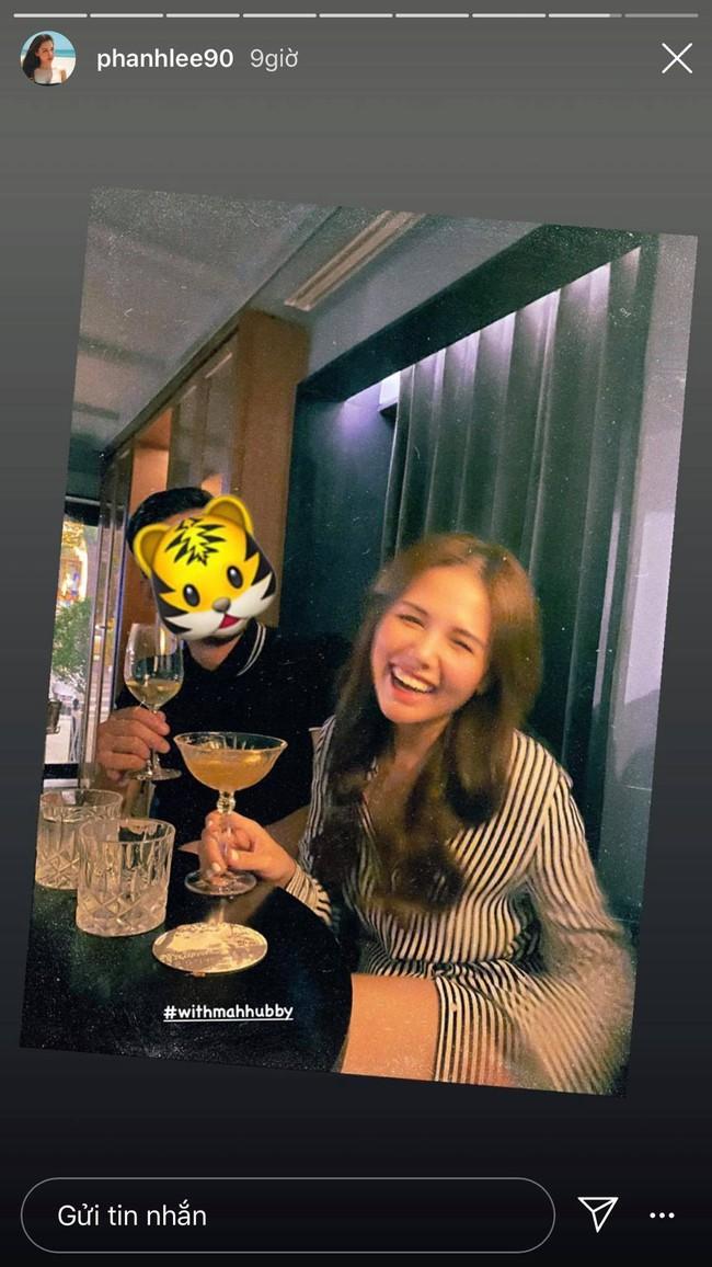 Phanh Lee lần đầu khoe ảnh chụp cùng ông xã thiếu gia Cocobay sau đám cưới bí mật - Ảnh 2.
