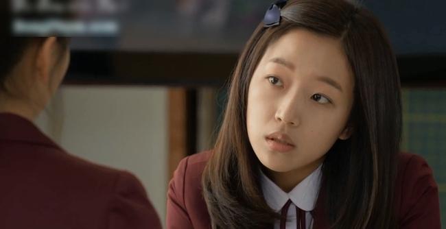 Kim So Hyun và bộ phim lấy đề tài bạo lực học đường đến mức phải chọn cái chết và màn vực dậy sau biến cố - Ảnh 3.