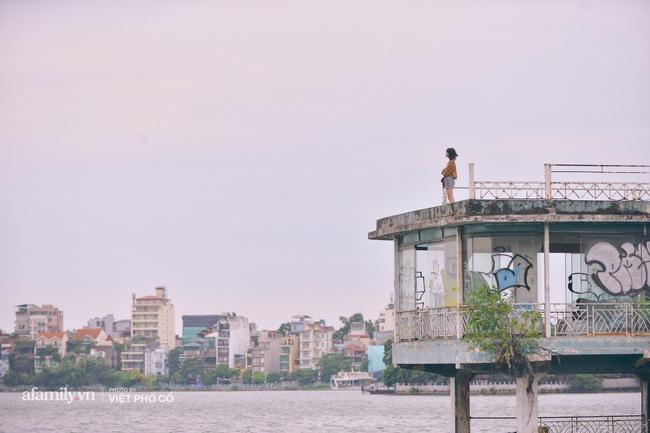 Gió mùa Hà Nội đã về, cớ sao không thử dậy thật sớm, ghé vài góc quán quen nhìn ngắm phố phường và hít hà từng làn hơi mướt mát, trong lành!  - Ảnh 5.