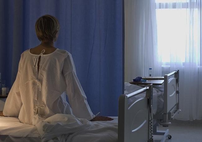 """Dịch vụ """"Kiểm tra màng trinh"""": Nỗi đau con gái phải gánh chịu khi bị bố mẹ bắt chứng minh sự trinh trắng từ bé và hệ lụy dẫn đến cái chết - Ảnh 4."""
