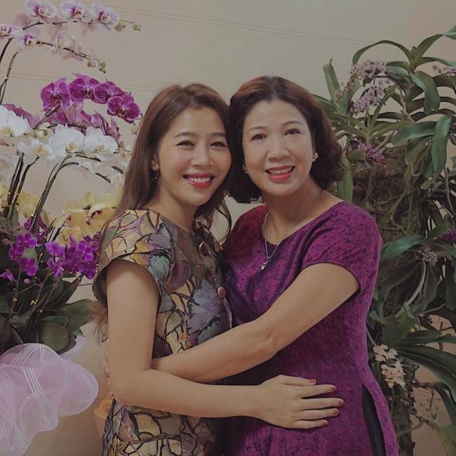 Mẹ vừa qua đời, MC Diệp Chi gửi lời nhắn nhủ đến em gái khiến ai nghe cũng thấy nghẹn ngào, xúc động  - Ảnh 4.