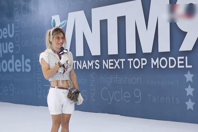 """""""Vietnam's Next Top Model"""": Sốc với màn hóa trang thành thỏ của thí sinh nam, Nam Trung - Võ Hoàng Yến liền tranh cãi - Ảnh 2."""