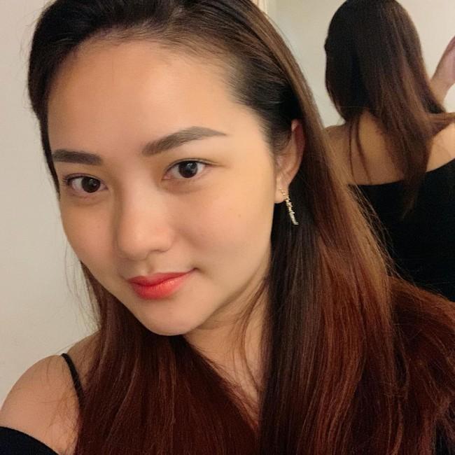 """Phan Như Thảo viết: """"Chào tháng 9, tháng của những cô nàng luôn yêu cầu sự hoàn hảo trong công việc và cuộc sống nên sống có hơi mệt vì 24 giờ một ngày chưa bao giờ là đủ với sự tham lam của em""""."""