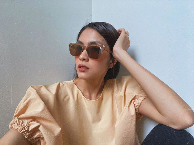 Công thức chung khi chụp ảnh selfie của Hà Tăng, chị em học theo thì bức nào cũng đẹp  - Ảnh 3.