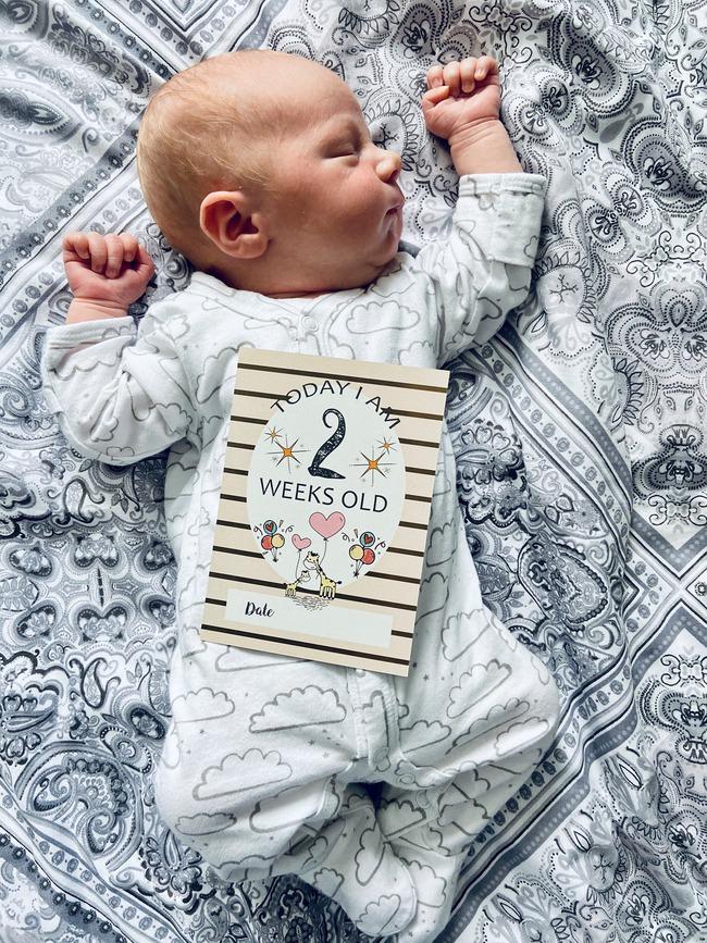 Hai ngày sau khi biết mình mang thai, bà mẹ vỡ ối và hạ sinh luôn bé trai nặng 3,3kg ngay trong xe cấp cứu - Ảnh 3.