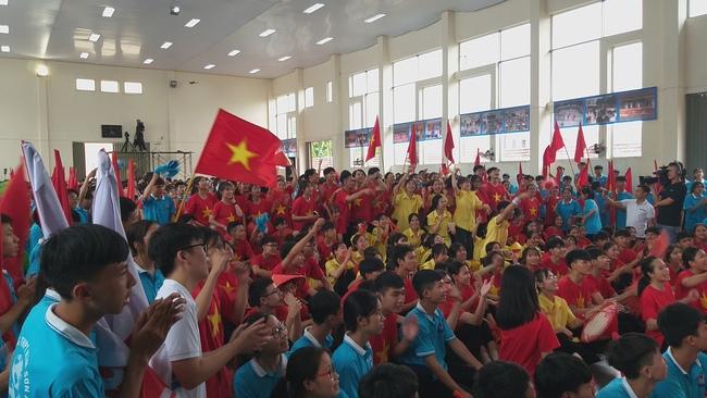 Xuất sắc về đích thí sinh Ninh Bình giành vòng nguyệt quế Đường lên đỉnh Olympia  - Ảnh 4.