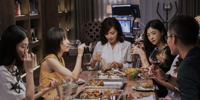 Cô gái tổ chức bữa tiệc sinh nhật có đồ chơi tình dục và hé lộ nguyên nhân khiến phụ nữ Trung Quốc không hạnh phúc và không muốn có con - Ảnh 4.