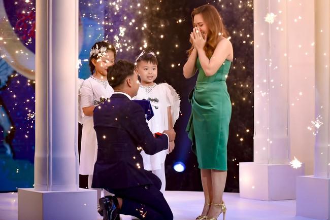 Mẹ đơn thân được chàng trai 24 tuổi cầu hôn ở show mai mối của Xuân Bắc - H'Hen Niê  - Ảnh 7.