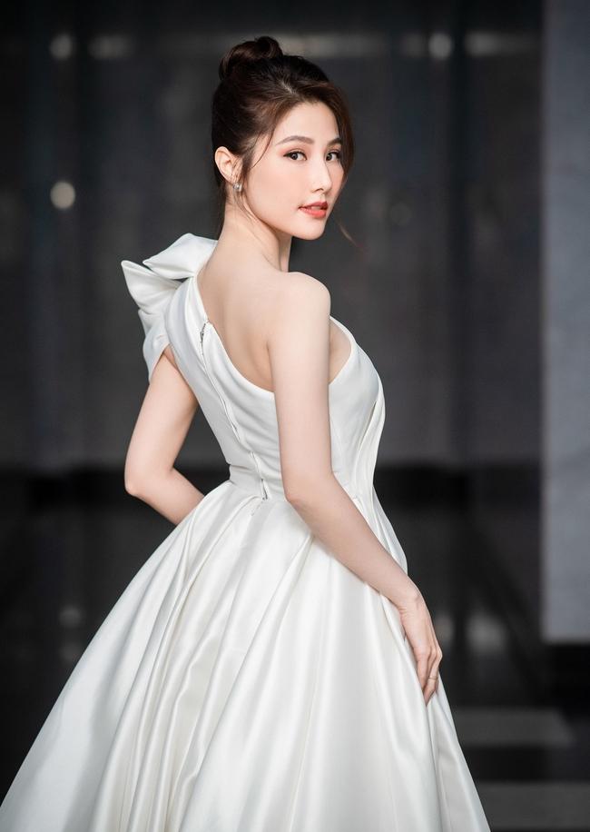 """Diễm My 9x được khen hết lời vì cư xử đẹp với nhân viên đoàn phim """"Tình yêu và tham vọng"""", hành động tưởng chỉ phổ biến với sao Hoa, Hàn - Ảnh 3."""