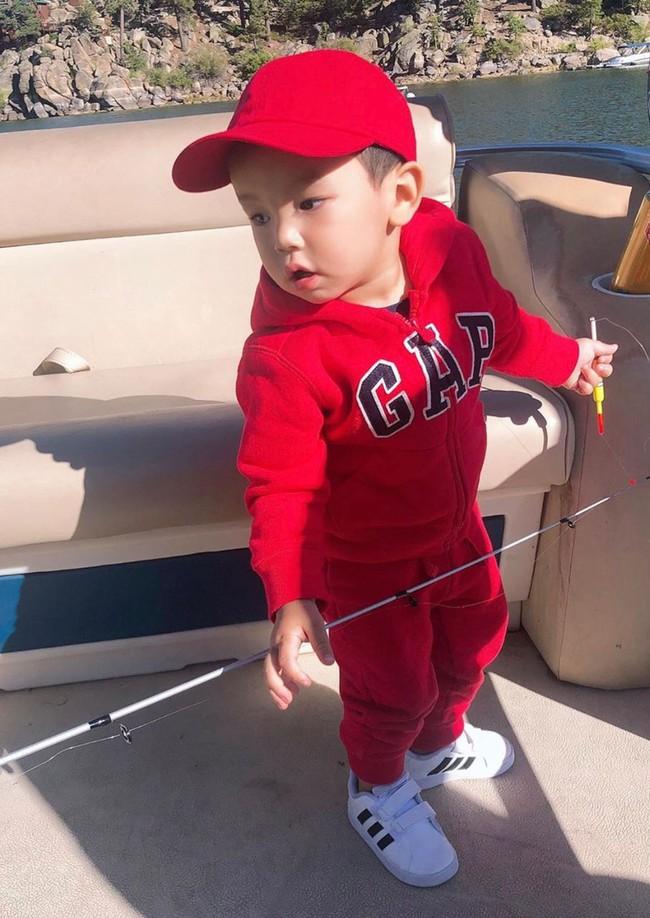 """Mới đó mà con trai Phạm Hương đã lớn cỡ này, nhìn cậu ấm ai cũng ngưỡng mộ cách nuôi con của """"Hoa hậu quốc dân"""" - Ảnh 8."""