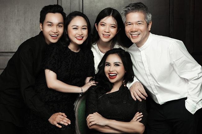 Con trai Thanh Lam: Ngoại hình được so sánh với huyền thoại nhan sắc của châu Á, nhưng cách được mẹ dạy dỗ mới là điểm nhấn - Ảnh 2.