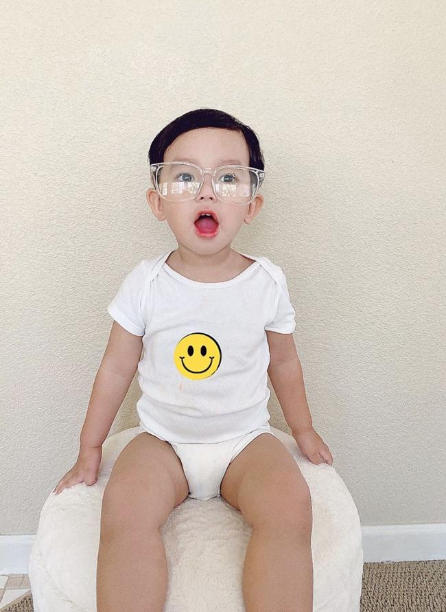 """Mới đó mà con trai Phạm Hương đã lớn cỡ này, nhìn cậu ấm ai cũng ngưỡng mộ cách nuôi con của """"Hoa hậu quốc dân"""" - Ảnh 2."""