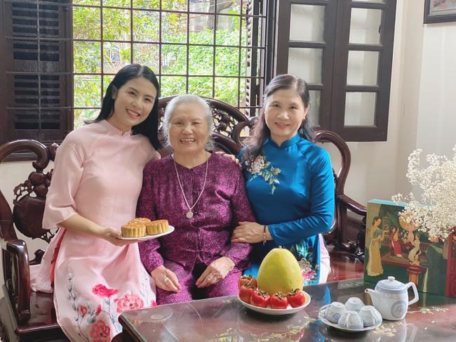 Hoa hậu trổ tài làm bánh Trung thu đẹp lung linh khiến cộng đồng mạng rần rần bão like - Ảnh 15.