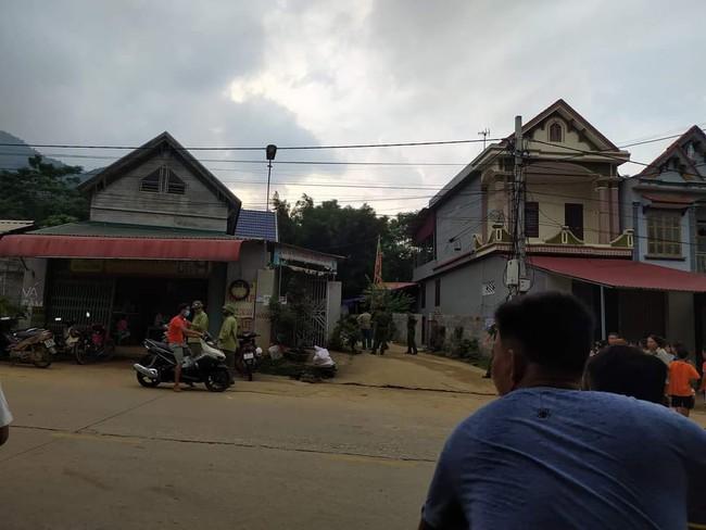 Phú Thọ: Người đàn ông bị hàng xóm ném gạch trúng đầu ngã ra đường tử vong - Ảnh 1.
