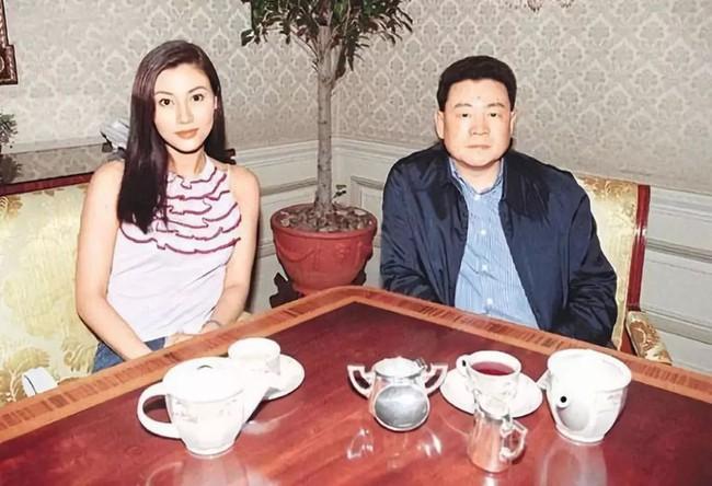 Lý Gia Hân và Lưu Loan Hùng.