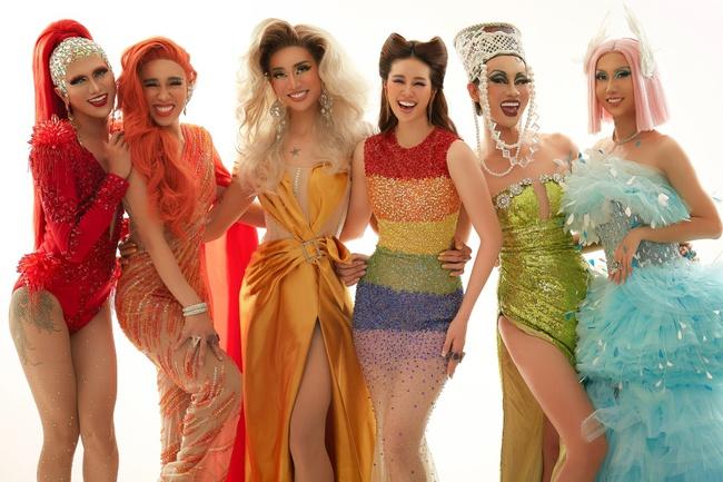 """Hoa hậu Khánh Vân gây ấn tượng khi hóa thân thành """"drag queen"""" cùng Lynk Lee dành tặng cộng đồng LGBTQ+ - Ảnh 13."""