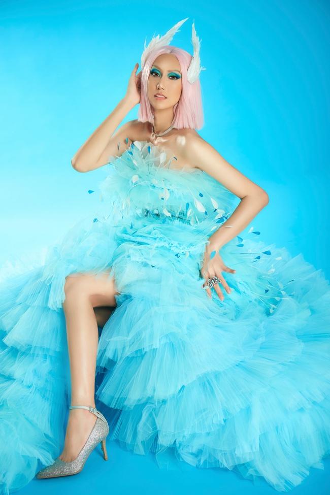 """Hoa hậu Khánh Vân gây ấn tượng khi hóa thân thành """"drag queen"""" cùng Lynk Lee dành tặng cộng đồng LGBTQ+ - Ảnh 6."""
