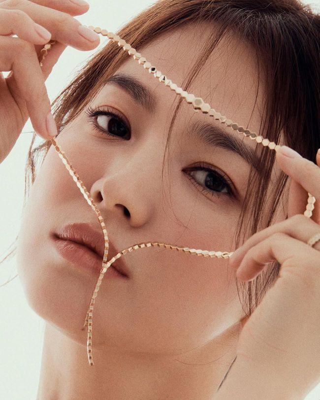 """Sau loạt bài đăng ẩn ý vào ngày sinh nhật Song Joong Ki, Song Hye Kyo lại """"náo loạn"""" mạng xã hội với động thái này - Ảnh 3."""