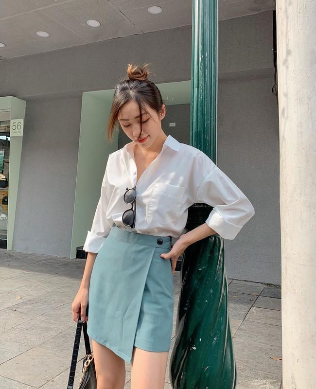 Phu nhân thượng nghị sĩ và cũng là bạn thân Hà Tăng: Chẳng ai nghĩ là 35 tuổi, xem ảnh học được bao nhiêu cách mặc đồ trắng đẹp sang chảnh  - Ảnh 13.