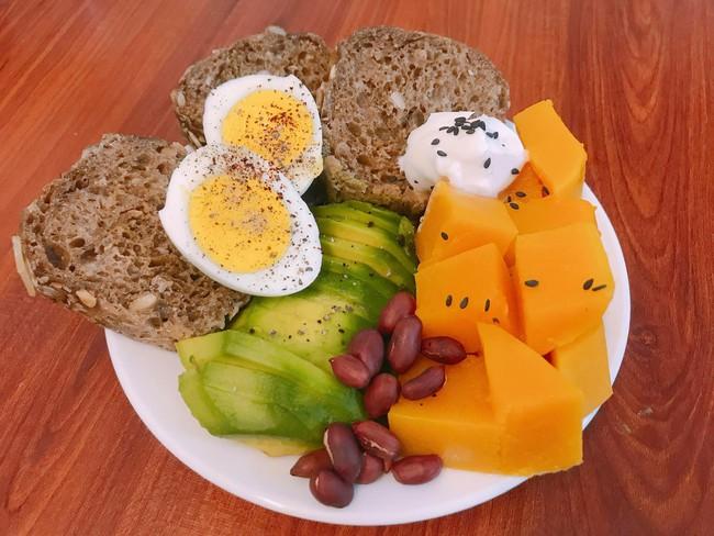 9x có làn da mịn không tì vết chia sẻ 9 cách ăn bánh mì cho bữa sáng lành mạnh mà chế biến cực nhanh! - Ảnh 9.