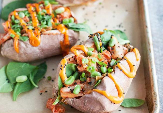 """Ai cũng biết khoai lang giúp giảm cân nhưng liệu bạn đã được """"khai sáng"""" những cách ăn khoai vừa lạ, vừa ngon này chưa? - Ảnh 3."""