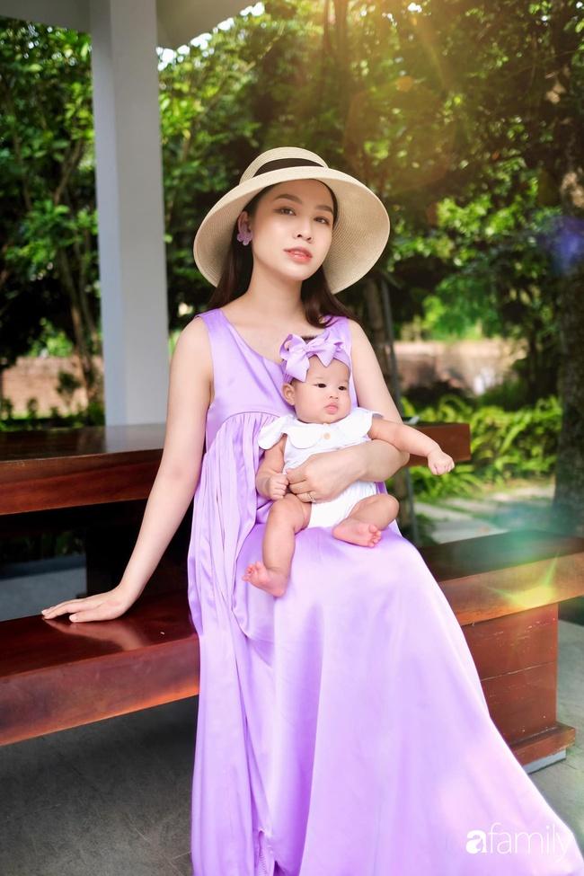 """""""Phù thủy make-up"""" Quách Ánh kể chuyện làm mẹ bỉm sữa: Trở lại công việc sớm giúp giảm stress sau sinh, - Ảnh 4."""