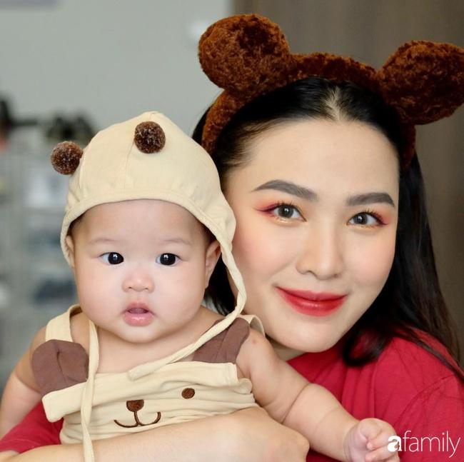 """""""Phù thủy make-up"""" Quách Ánh kể chuyện làm mẹ bỉm sữa: Trở lại công việc sớm giúp giảm stress sau sinh, - Ảnh 1."""