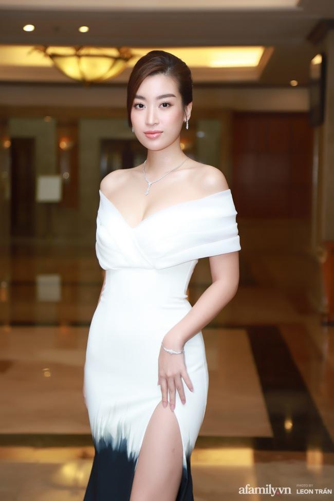 """""""Bóc trần"""" nhan sắc thật của dàn Hoa hậu, Á hậu Việt Nam qua ảnh chưa photoshop, bất ngờ nhất là vẻ già dặn của Tiểu Vy - Ảnh 6."""