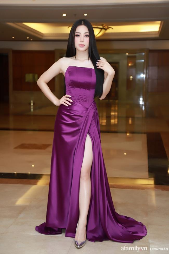 """""""Bóc trần"""" nhan sắc thật của dàn Hoa hậu, Á hậu Việt Nam qua ảnh chưa photoshop, bất ngờ nhất là vẻ già dặn của Tiểu Vy - Ảnh 8."""