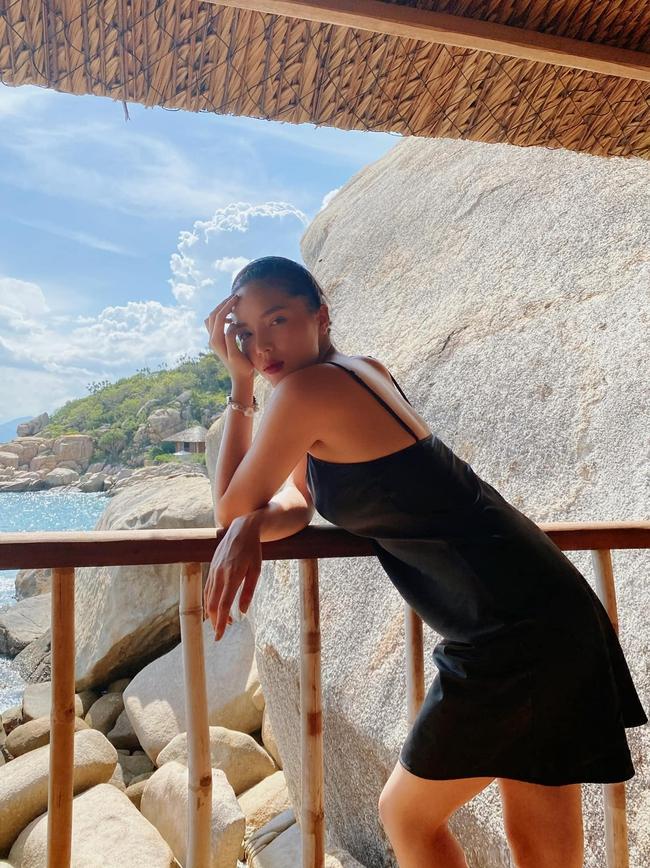 Kỳ Duyên tận hưởng kỳ nghỉ tại Nha Trang.