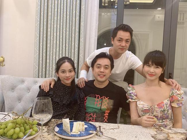 Vợ chồng Sara Lưu tụ tập ăn uống với vợ chồng Đăng Khôi.
