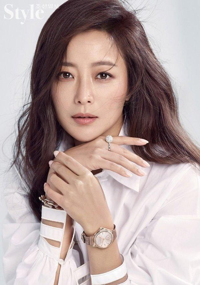BXH top 10 mỹ nhân đẹp nhất xứ Hàn: Hoàn mỹ như Song Hye Kyo, Son Ye Jin vẫn phải lùi bước trước một người đẹp 49 tuổi  - Ảnh 10.