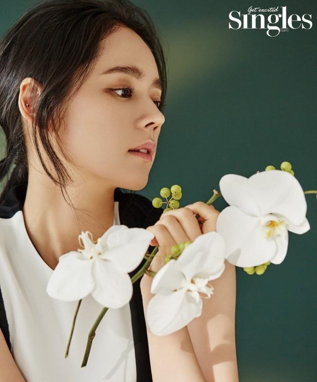 BXH top 10 mỹ nhân đẹp nhất xứ Hàn: Hoàn mỹ như Song Hye Kyo, Son Ye Jin vẫn phải lùi bước trước một người đẹp 49 tuổi  - Ảnh 3.