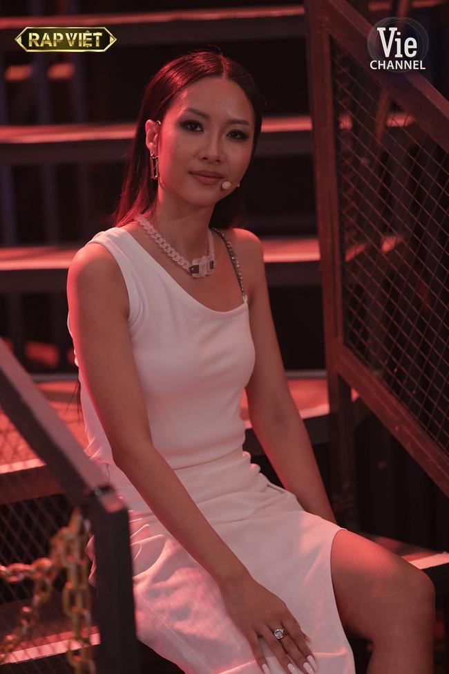 """Rap Việt: Gừng - Tage đối đầu cực căng nhưng màn lột xác quyến rũ của """"chị đại"""" Suboi mới là điều gây chú ý - Ảnh 5."""