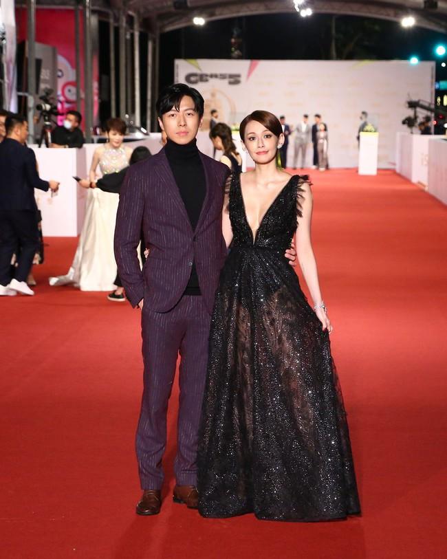Thảm đỏ lễ trao giải Kim Chung lần thứ 55: Dàn mỹ nhân xứ Đài diện đầm quyến rũ tới mấy cũng hoàn toàn lu mời trước mỹ nam diện váy - Ảnh 19.