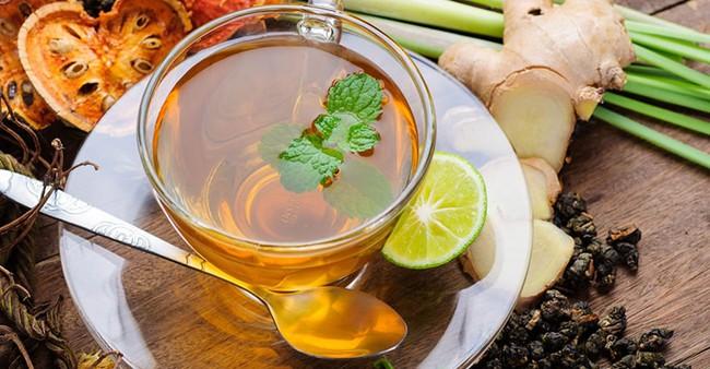 Đừng vội mua thuốc bổ đắt đỏ, chỉ cần vào nhà bếp và tìm uống 5 loại nước này cũng đủ giúp phụ nữ giảm cân, tiêu mỡ và ngừa ung thư hiệu quả - Ảnh 2.