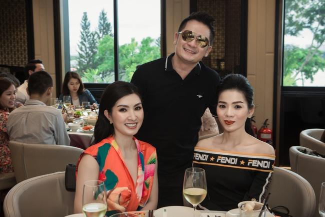 Lệ Quyên xuất hiện cực sang chảnh, khoe body gầy guộc bên bạn thân Nguyễn Hồng Nhung  - Ảnh 3.