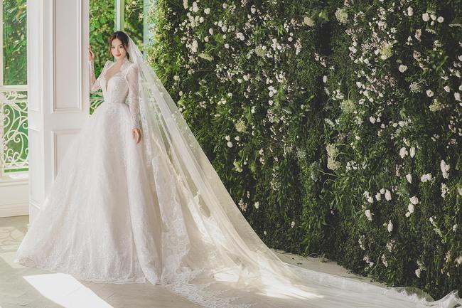 Ninh Dương Lan Ngọc diện váy cô dâu đẹp ngỡ ngàng, khoe visual đỉnh khiến dân tình tròn mắt - Ảnh 3.