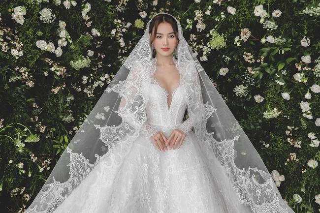 Ninh Dương Lan Ngọc diện váy cô dâu đẹp ngỡ ngàng, khoe visual đỉnh khiến dân tình tròn mắt - Ảnh 1.