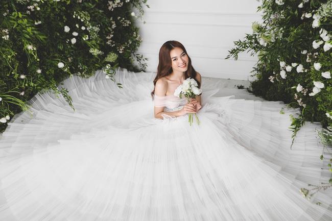 Ninh Dương Lan Ngọc diện váy cô dâu đẹp ngỡ ngàng, khoe visual đỉnh khiến dân tình tròn mắt - Ảnh 7.