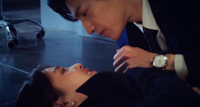 """Nửa là đường mật nửa là đau thương: Lịm tim trước cảnh hôn môi """"đầy đường"""" của La Vân Hi - Bạch Lộc - Ảnh 6."""