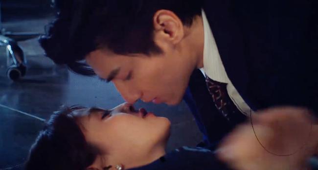 """Nửa là đường mật nửa là đau thương: Lịm tim trước cảnh hôn môi """"đầy đường"""" của La Vân Hi - Bạch Lộc - Ảnh 5."""