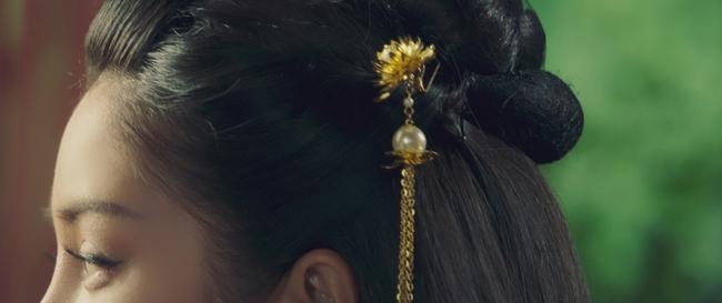 """Phim """"Kiều"""" gây náo loạn khi tung hình ảnh Thúy Kiều khoe trọn lưng trần gợi cảm, danh tính nữ chính khiến cộng đồng mạng xôn xao - Ảnh 5."""
