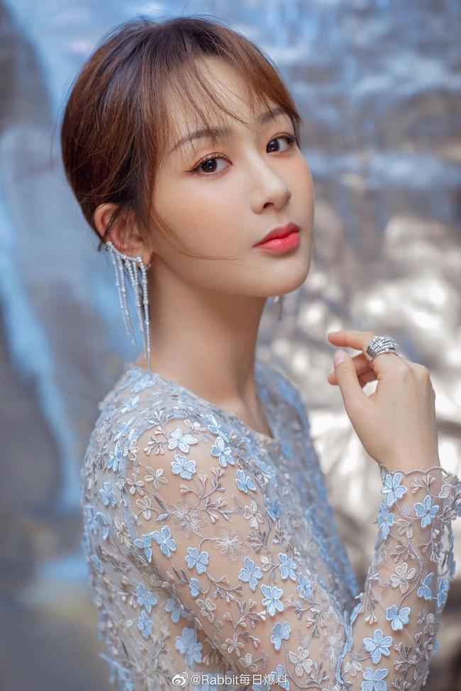 Dương Tử - Dịch Mịch bị loại, Ngu Thư Hân lọt Top bình chọn Nữ thần Kim Ưng, netizen nổi giận chỉ trích nặng nề  - Ảnh 5.