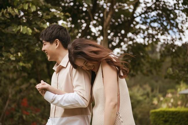"""Vợ chồng Đông Nhi - Ông Cao Thắng tung bộ ảnh trước lúc """"lâm bồn"""", ngoại hình bà bầu gây chú ý lớn - Ảnh 4."""