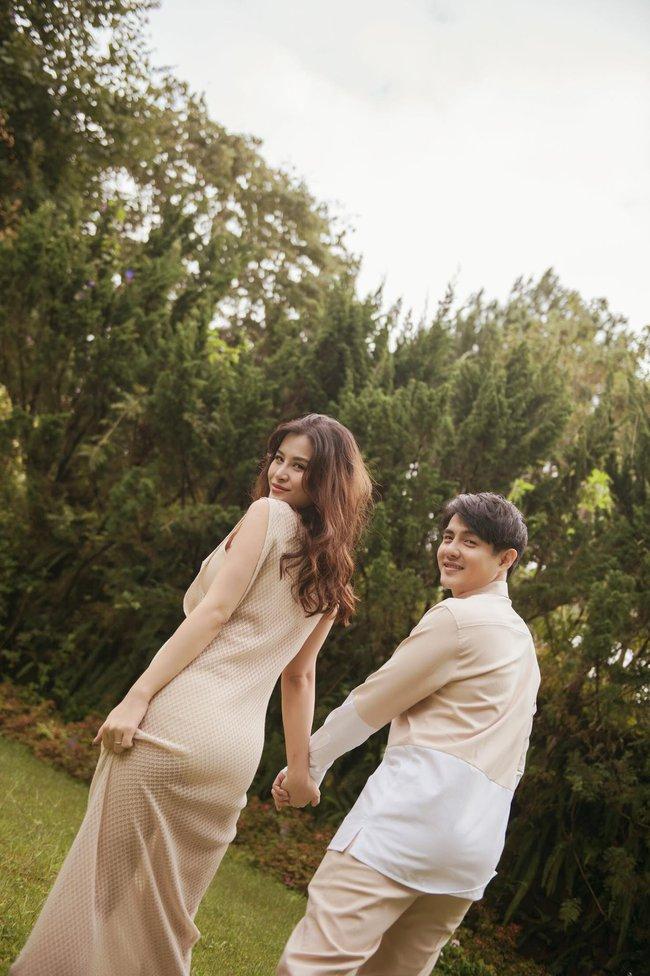 """Vợ chồng Đông Nhi - Ông Cao Thắng tung bộ ảnh trước lúc """"lâm bồn"""", ngoại hình bà bầu gây chú ý lớn - Ảnh 5."""