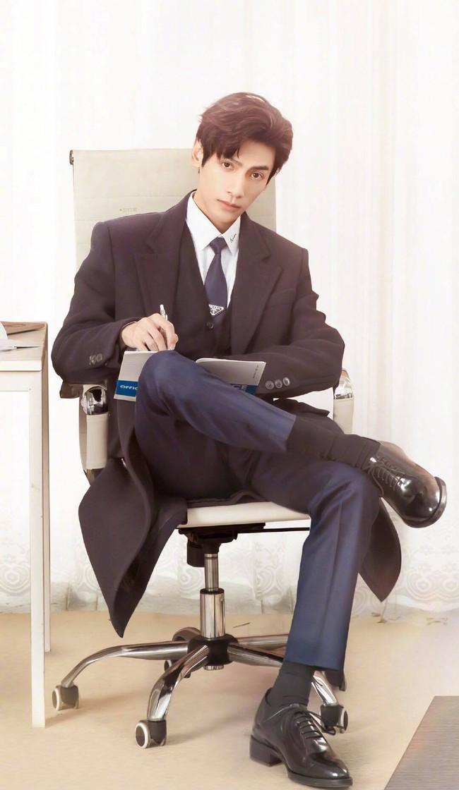Nửa là đường mật nửa là đau thương: La Vân Hi đẹp mê mẩn khi làm CEO, netizen quên mất vừa chê nam diễn viên lùn - Ảnh 5.